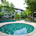 The Park Nine Srinakarin : Swimming pool